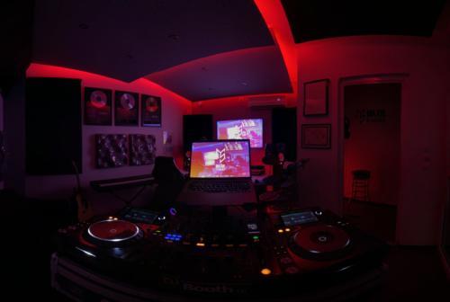 Major Studios